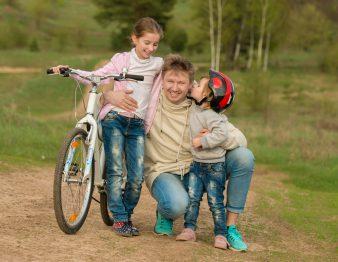 bikedaughters_dreamstime_xl_73761282